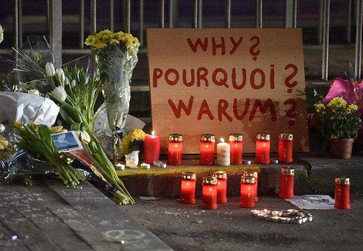 Expertos consideran que Bélgica no ha sabido coordinar las tareas de los servicios de inteligencia, investigar a los sospechosos y controlar sus fronteras contra el terrorismo. (AP)