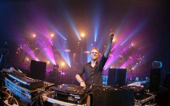 Armin Van Buuren cerrará el festival y el 2013 con su participación. (Cortesía/SIPSE)
