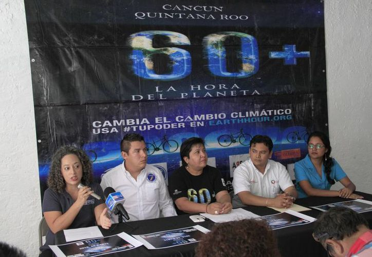 Los organizadores invitan a las personas a participar. (Tomás Álvarez/SIPSE)