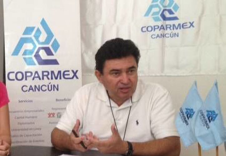 Juan Manuel Peraza Peraza, presidente de la Coparmex, durante un foro. (Israel Leal/SIPSE)