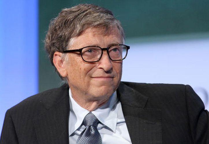 En 1999, Bill donó 16 mil millones de dólares a su fundación y un año después agregó 5.1 mil millones más. (Milenio)