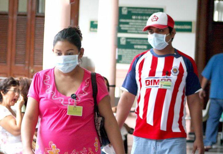 El Sector Salud exhorta a la población a vacunarse contra la influenza, ya que habitualmente los pacientes que fallecieron por complicaciones, no estaban vacunados. (Archivo/ Milenio Novedades)