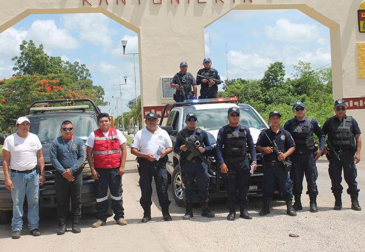 Los policías pasaron una serie de exámenes que aplica el Centro de Control y Confianza. (Raúl Balam/SIPSE)