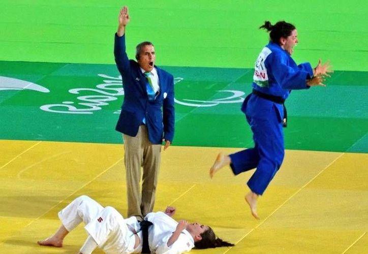 Lenia Ruvalcaba conquistó la cuarta medalla de Oro para la Delegación mexicana en la actual justa Olímpica. (Foto tomada de Conade)