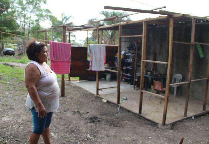 Pobladores señalan que las autoridades sólo juegan con las necesidades de las personas. (Carlos Castillo/SIPSE)