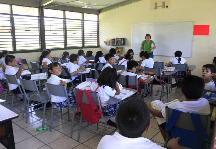El Fondo de Aportaciones para la Nómina Educativa y Gasto Operativo para Quintana Roo asciende a cuatro mil 716 millones 419 mil 397 pesos. (Harold Alcocer/SIPSE)