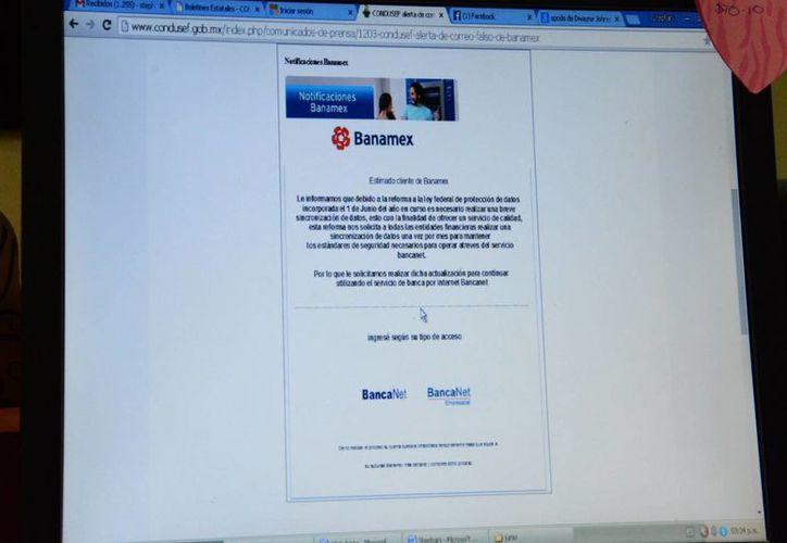 El mensaje llega el correo electrónico solicitando datos para actualizar la información de su cuenta. (Victoria González/SIPSE)