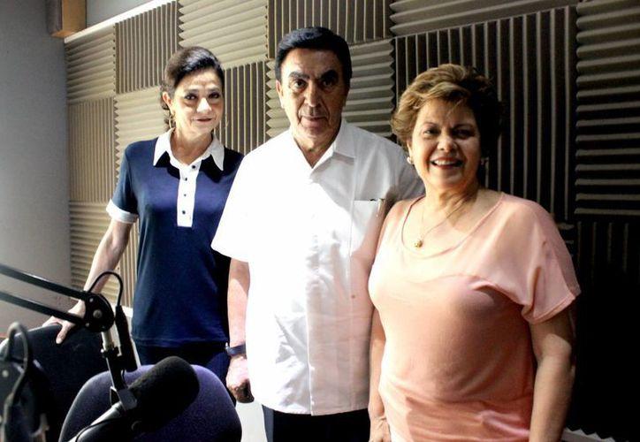 Mariliz Escalante, Salvador González y Alis García en la emisión de Salvemos Una Vida, donde se habló de la figura paterna en la familia. (Milenio Novedades)