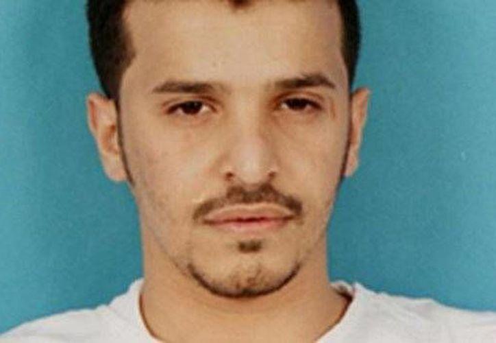 A principios de 2009 Ibrahim Al Asiri fue proclamado como uno de los fundadores de AQPA. (fr.news.yahoo.com)