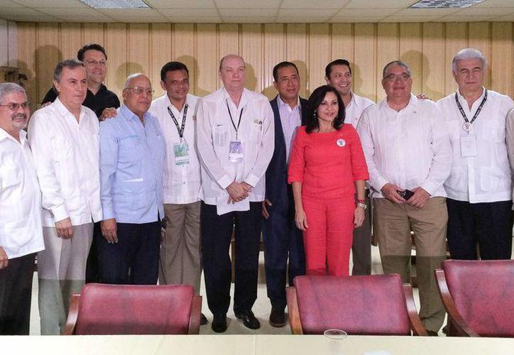 El gobernador Rolando Zapata Bello encabezó la delegación de Yucatán. (SIPSE)