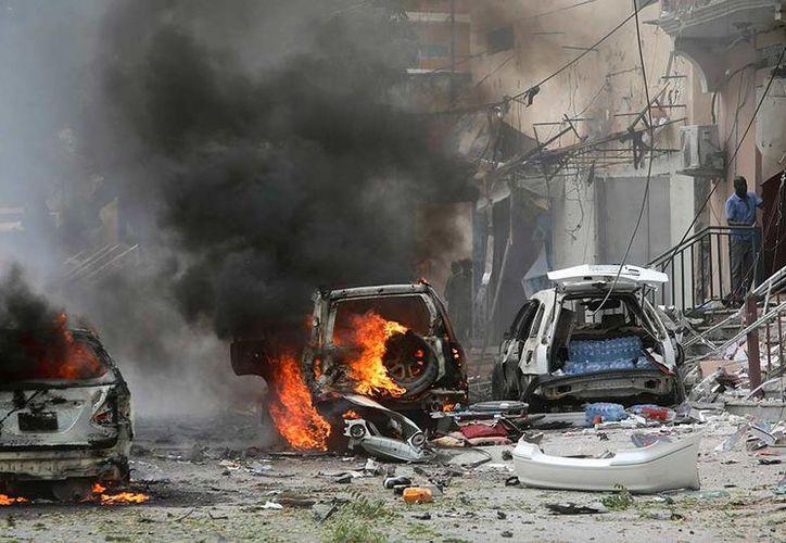 Los hechos se registraron  cerca de la estación de la Policía en la capital de Somalia. (Reuters)
