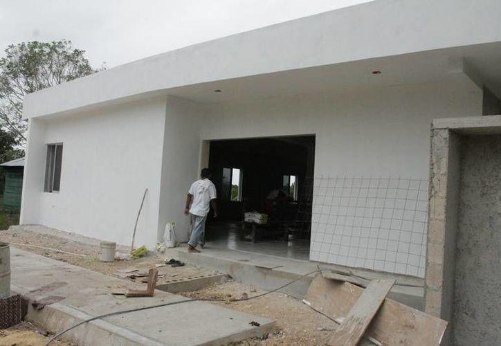 Algunas construcciones han sido adaptadas con cocineta, baños y espacios para camas. (Edgardo Rodríguez/SIPSE)