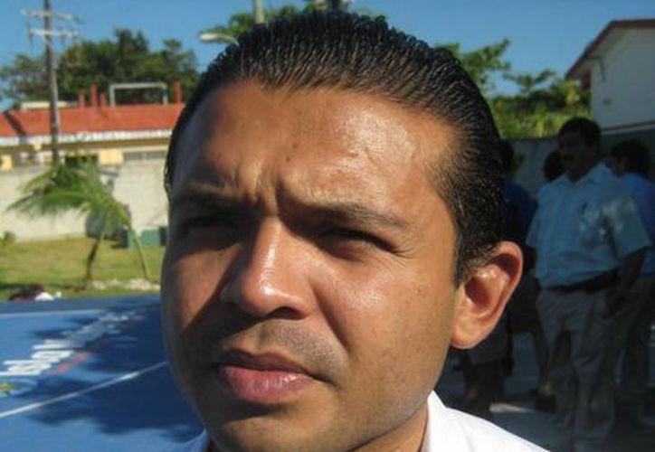 El alcalde dijo que son al menos tres funcionarios municipales los que deberán de  presentar su renuncia. (Lanrry Parra/SIPSE)