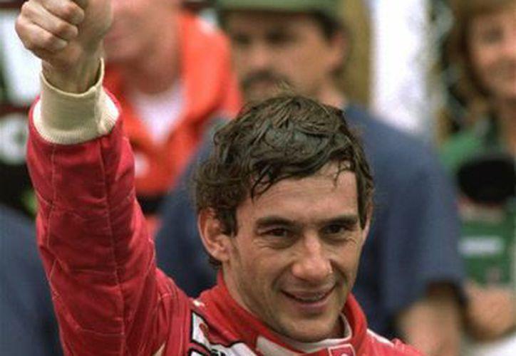 Para muchos Ayrton Senna no sólo es uno de los mejores pilotos en la historia de la Fórmula Uno sino que algunos consideran que en un momento dado era más importante que el presidente de Brasil. (Foto: AP)