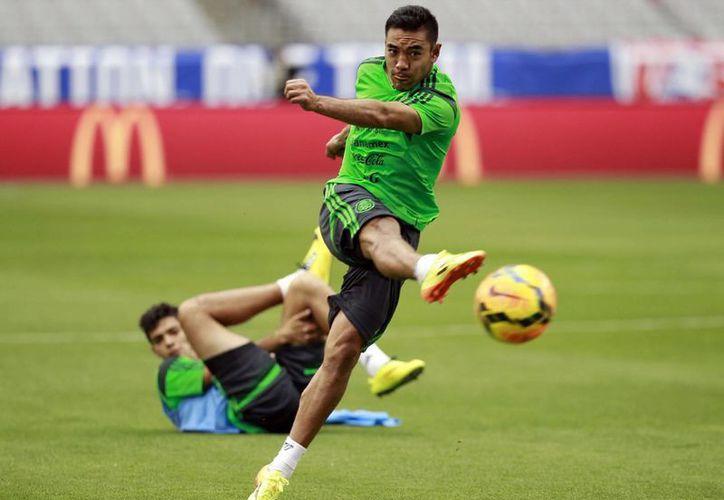México nunca ha podido meter más de un gol a las escuadras africanas en Mundiales. En la foto, Marco Fabián, que podría ser un refuerzo de lujo. (Notimex/Foto de archivo)