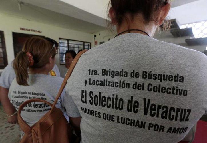 El colectivo 'El Solecito' se ha encargado de inspeccionar la zona de El Infierno, donde se les informó que había decenas de fosas clandestinas. (e-veracruz.mx)