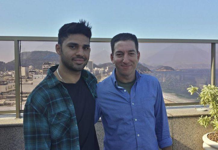 David Miranda y Glenn Greenwald en Río de Janeiro, Brasil, donde tienen su residencia. (Agencias)