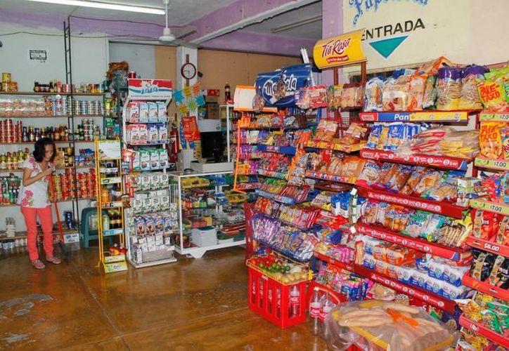 Los abarroteros facturaron 163 mil millones de pesos en 2012. (Jesús Tijerina/SIPSE)