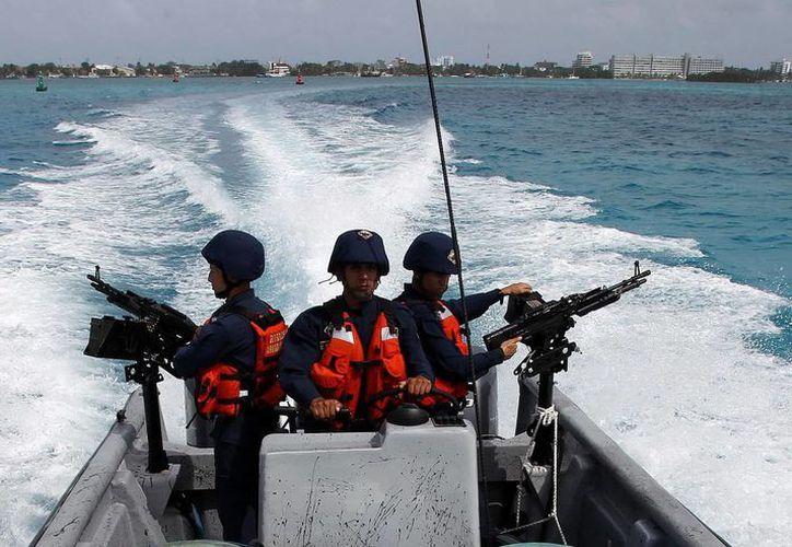 Lanchas guardacostas que servirán para apoyar el trabajo de los pescadores en las islas de San Andrés. (EFE)
