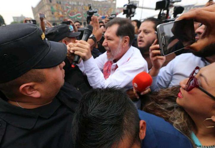 El Estado Mayor Presidencial impidió la entrada al Palacio Nacional al diputado federal del Partido del Trabajo Gerardo Fernández Noroña.  (Milenio)