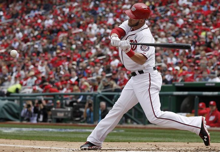 Harper, de los Washington Nationals, logró la hazaña frente a los Marlins de Miami. (Agencias)