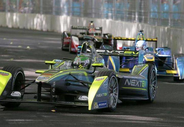 Después del éxito del Gran Premio de México, el Autódromo Hermanos Rodríguez recibirá a la Fórmula E durante marzo del 2016. (Archivo AP)