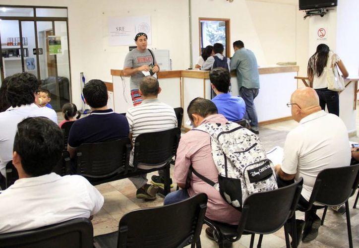 El año pasado, en Quintana Roo, se tramitaron 28 mil 602 pasaportes. (Yajahira Valtierra/SIPSE)