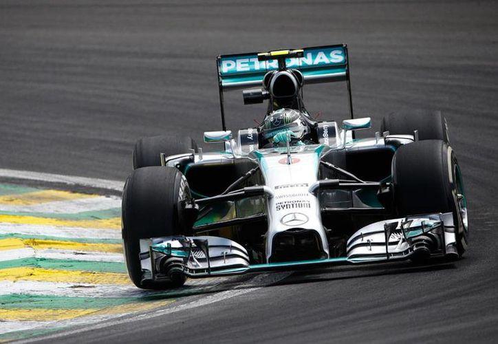 El más rápido de todos, el piloto alemán Nico Rosberg (foto), se coloca como el gran favorito para ganar el Gran Premio de Brasil 2014, este domingo, en Sao Paulo. (AP)