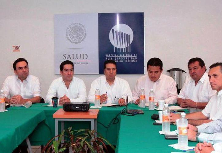 La reunión se efectuó en el Hospital Regional de Alta Especialidad. (Milenio Novedades)