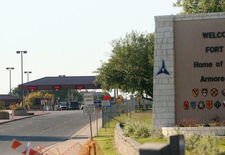 Imagen de archivo de  noviembre de 2009 que muestra una de las entradas a la base Fort Hood de Texas, EU. (Archivo AP Photo/Jack Plunkett)