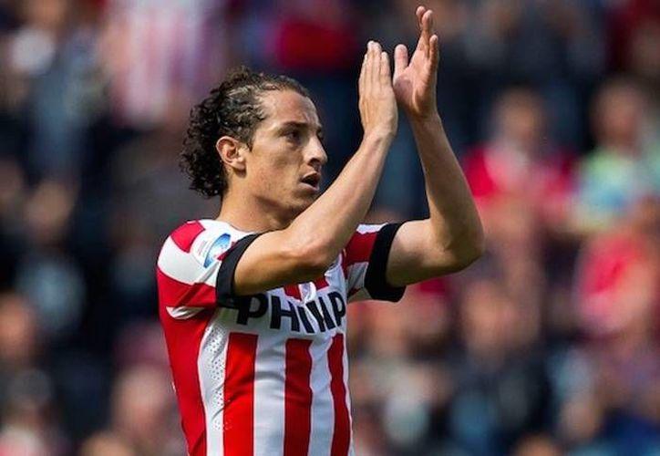 El mexicano anotó el segundo gol del PSV Eindhoven en la goleada 6-3 sobre De Graafschap, este sábado en partido de la fecha 11 de la Liga de Holanda. (Archivo EFE)