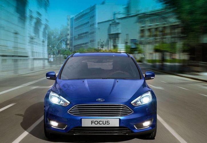 El modelo Focus de los años 2012 a 2015 es uno de los llamados a revisión por la empresa automotriz. El de la imagen es 2016. (Foto: www.ford.mx)