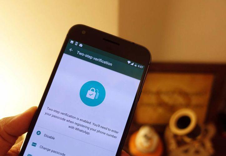 WhatsApp cuenta ahora con dos opciones de seguridad para sus usuarios. (androidcentral.com)