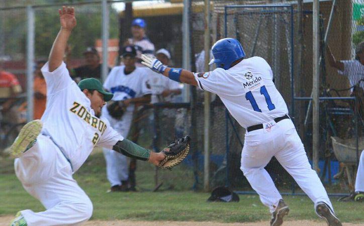 Senados blanquearon este sábado a Zorros en la Liga Meridana de Beisbol. (SIPSE)
