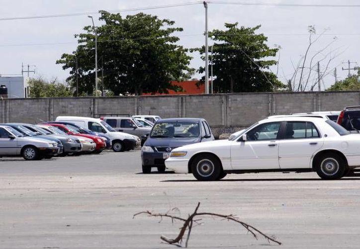 Un sujeto acusado por defraudar con 150 mil pesos a un matrimonio que intentaba realizar la compraventa de un auto, ya fue arrestado. (Foto de contexto de SIPSE)