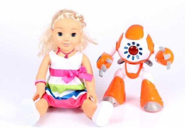 Estos juguetes cuentan con una aplicación que permite a los niños 'platicar' con ellos. (Genesis Toys)