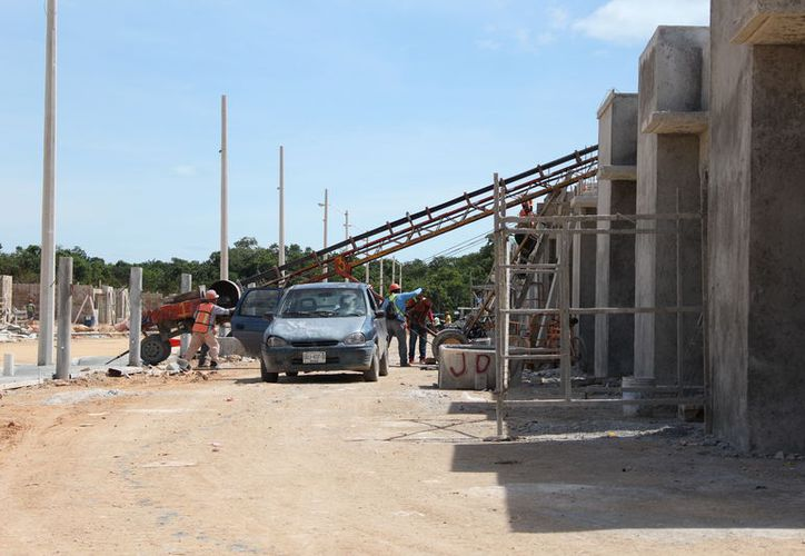 En la entidad se cuenta con profesionistas preparados para realizan edificaciones que resistan a los movimientos bruscos. (Joel Zamora/SIPSE)