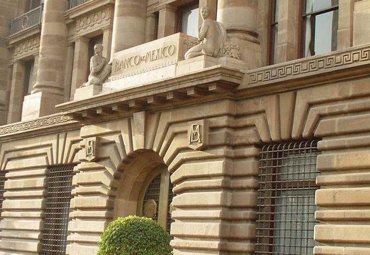 Banxico: en diciembre de 2012 el saldo del financiamiento dado a la banca comercial fue de 3.3 bdp. (Agencias)
