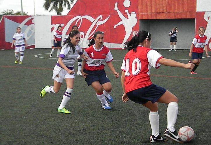 Los campeones de cada disciplina serán los únicos que accedan a la fase regional de la Universiada 2013. (Ángel Mazariego/SIPSE)