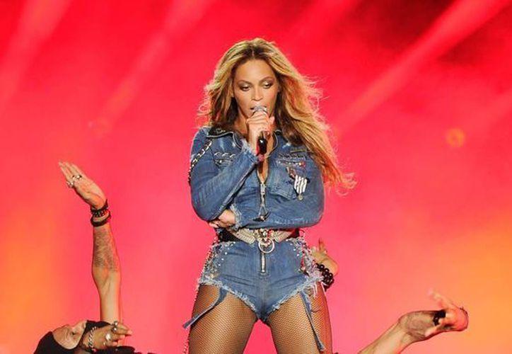 Beyonce está a punto de lanzar una nueva propuesta por televisión de paga que según rumores se trata de un 'álbum-película'. (Archivo AP)