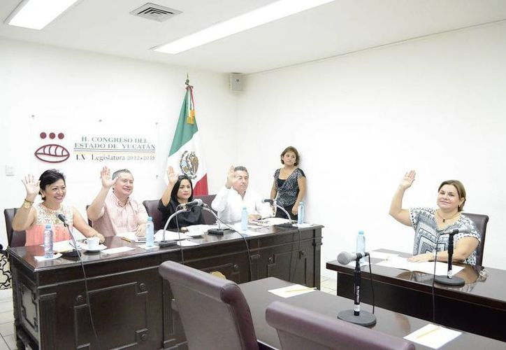 Diputados de la Comisión de Derechos Humanos del Congreso aprobaron las convocatorias para renovar la presidencia y el Consejo Consultivo de la Codhey. (SIPSE)
