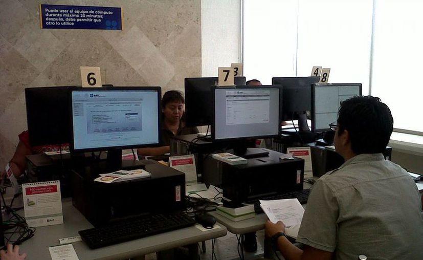 El SAT sugiere a los comerciantes yucatecos informarse en internet. (SIPSE)