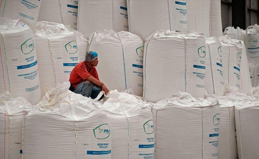 Si les aceptan este impuesto, provocaría que se distribuyan en el estado los cinco millones de toneladas de excedente de azúcar. (Carlos Castillo/SIPSE)