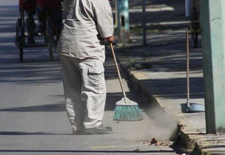 Trabajadores del Ayuntamiento retoman hoy sus labores. (Omar Capistran/SIPSE)