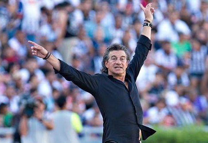 Rubén Omar Romano estuvo varias temporadas al frente del Puebla, hasta este domingo, pues fue cesado. (mexsport.com/Foto de archivo)