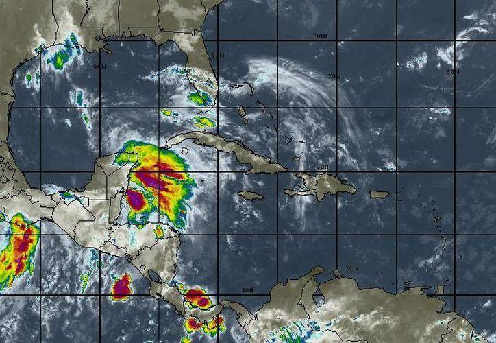 Se esperan tormentas fuertes por la tarde. (Intellicast)