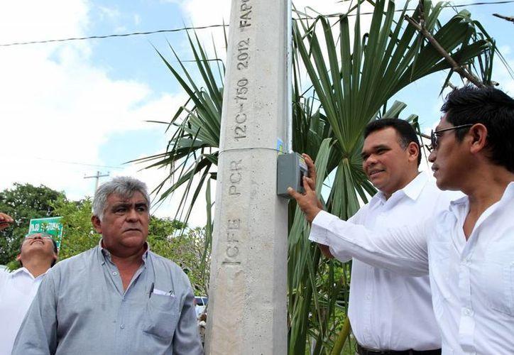 El Gobernador señaló que se invierten 100 mdp en obras de electrificación en todo el Estado. (Milenio Novedades)