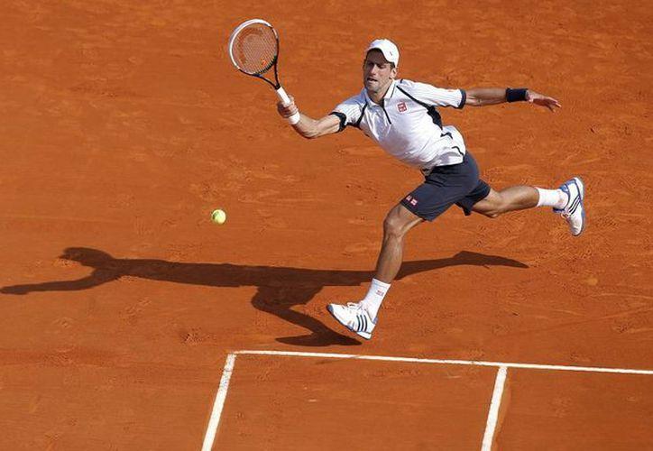 Djokovic estuvo a punto de no asistir a Montecarlo debido a una lesión en un tobillo, (Agencias)
