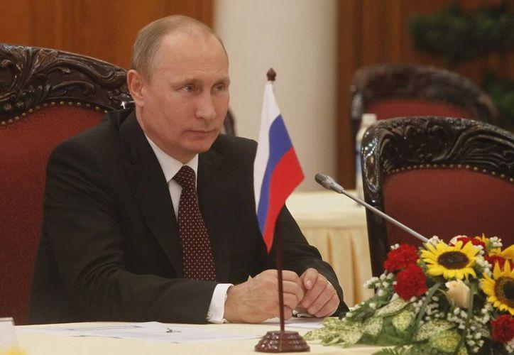 Mediante decreto, el presidente de Rusia 'aprieta' las condiciones para quienes acudan a los juegos Olímpicos de Invierno en Sochi 2014. (EFE/Archivo)