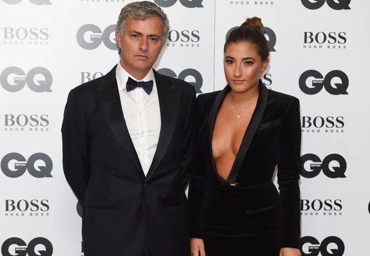 José Mourinho con su hija Matilda en la gala GQ Men of the Year, donde él fue premiado. (mundodeportivo.com)